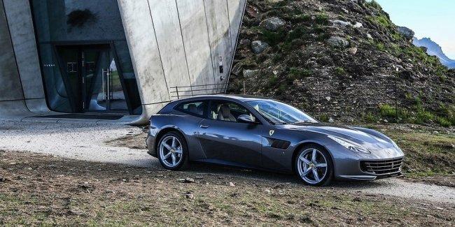 Феррари GTC4 Lusso— самый красивый суперкар 2016г